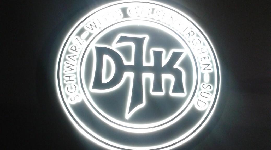 Unser Logo strahlt in der Nacht